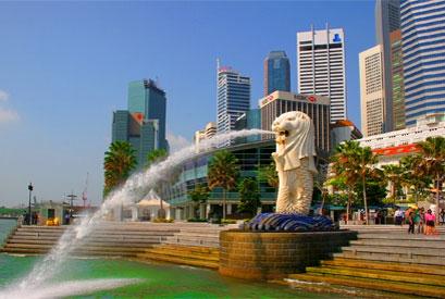 Статуя-фонтан символа Сингапура — мифического Мерлайона