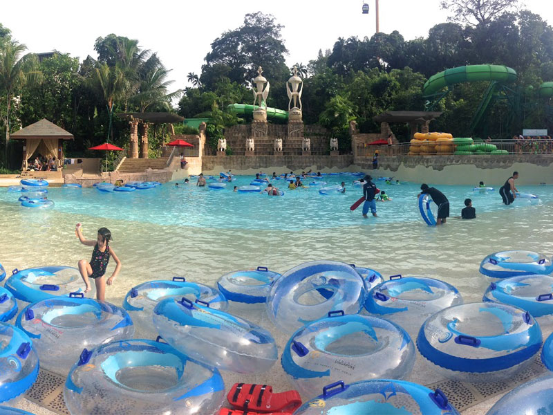 Аквапарк Adventure Cove Waterpark в Сингапуре