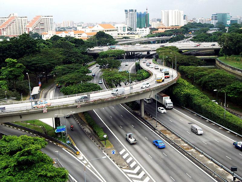 Сингапурская дорожная сеть считается одной из самых продуманных в мире