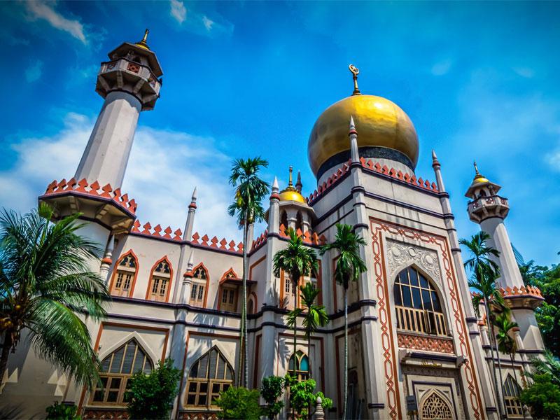 Мечеть Masjid Sultan - самая старая из сохранившихся мечетей в Сингапуре