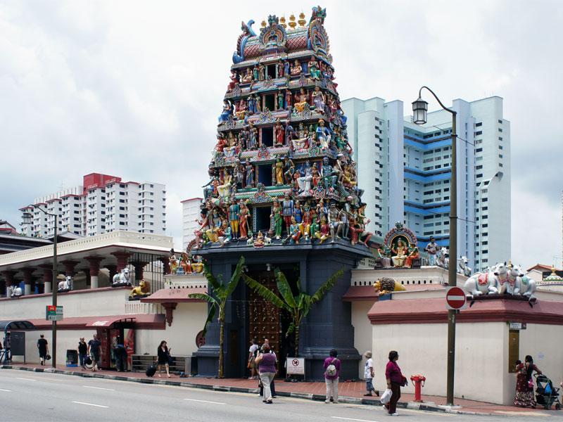 Sri Mariamman Temple - самый старый индуистский храм в Сингапуре