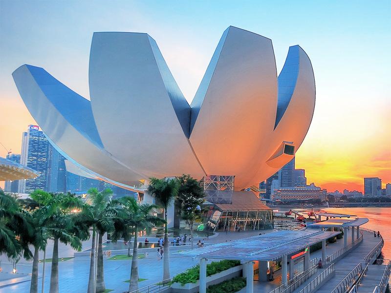 ArtScience Museum часто используется для показа передвижных выставок со всего мира