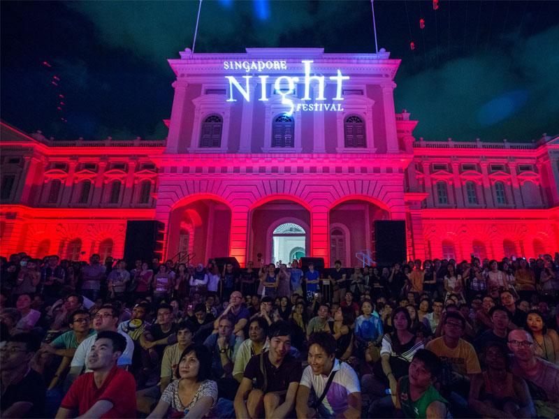 Все события ночного фестиваля в Сингапуре происходят в темное время суток