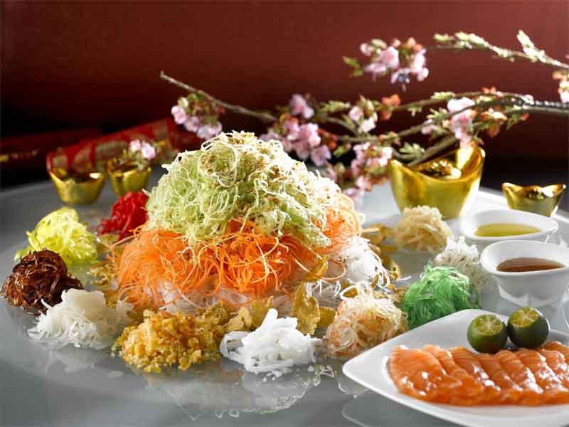Блюдо ло хей традиционно подается во время празднования Китайского Нового года