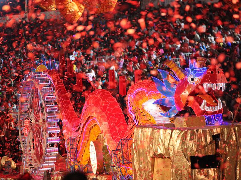 В карнавальном шествии Чингай традиционно доминирует китайская культура