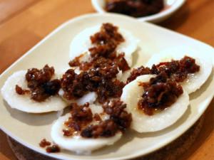 Паровой рисовый пирог (Chwee Kueh)