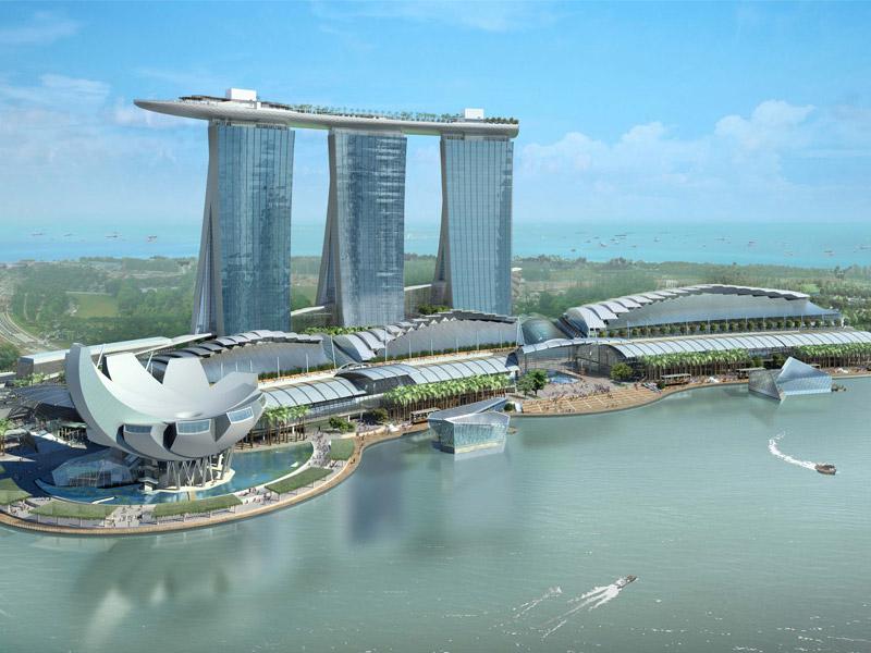 Marina Bay Sands занимает большой участок на берегу залива Марина Бэй
