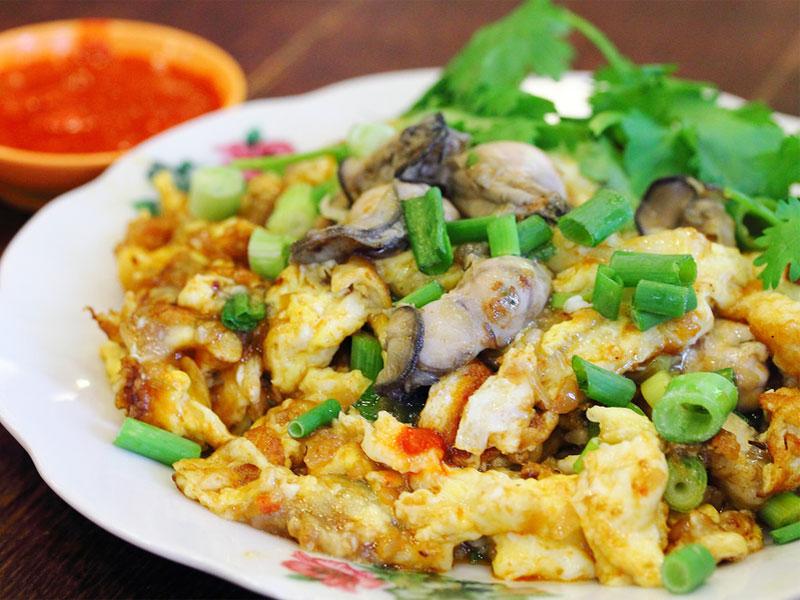 Яичный омлет с устрицами есть в кухне многих азиатских стран