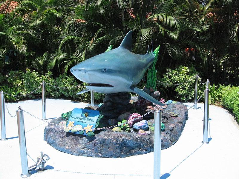 Сингапурский океанариум знакомит с многочисленными обитателями морских глубин
